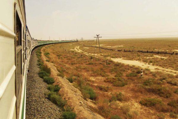 kaszpi-tenger-es-aral-to-kozotti-28-oras-vonatozas