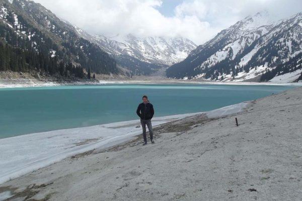 levente-a-tien-shan-hegyseg-egyik-hegyi-tavanal